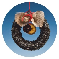 XW01 - Wreath with black Sunflower seeds